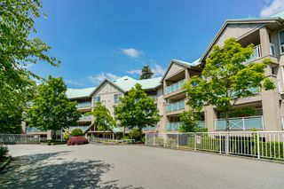 "Photo 9: 408 15150 29A Avenue in Surrey: King George Corridor Condo for sale in ""The Sands II"" (South Surrey White Rock)  : MLS®# R2274636"