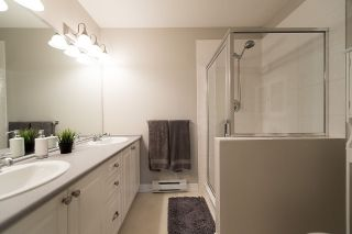 """Photo 13: 24 6555 192A Street in Surrey: Clayton Townhouse for sale in """"THE CARLISLE"""" (Cloverdale)  : MLS®# R2030709"""