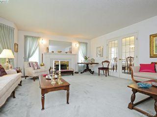 Photo 2: 4451 Autumnwood Lane in VICTORIA: SE Broadmead House for sale (Saanich East)  : MLS®# 762926