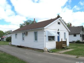 Photo 4: 307 2nd Avenue East in Lampman: Residential for sale : MLS®# SK810127