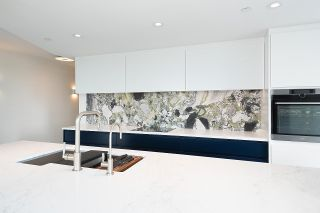 """Photo 10: 1602 1077 MARINASIDE Crescent in Vancouver: Yaletown Condo for sale in """"Marinaside Resort Residences"""" (Vancouver West)  : MLS®# R2592823"""