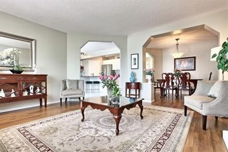 Photo 6: 215 CITADEL Drive NW in Calgary: Citadel Detached for sale : MLS®# C4303372