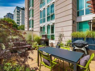 Photo 3: 304 1111 HARO STREET in : West End VW Condo for sale : MLS®# R2085309