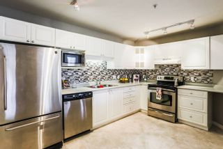Photo 2: 106-20894 57 Ave in Langley: Langley City Condo for sale