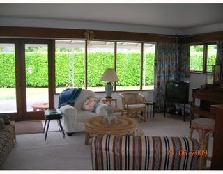 """Photo 7: 1381 COTTONWOOD Crescent in North Vancouver: Norgate House for sale in """"NORGATE"""" : MLS®# V772980"""
