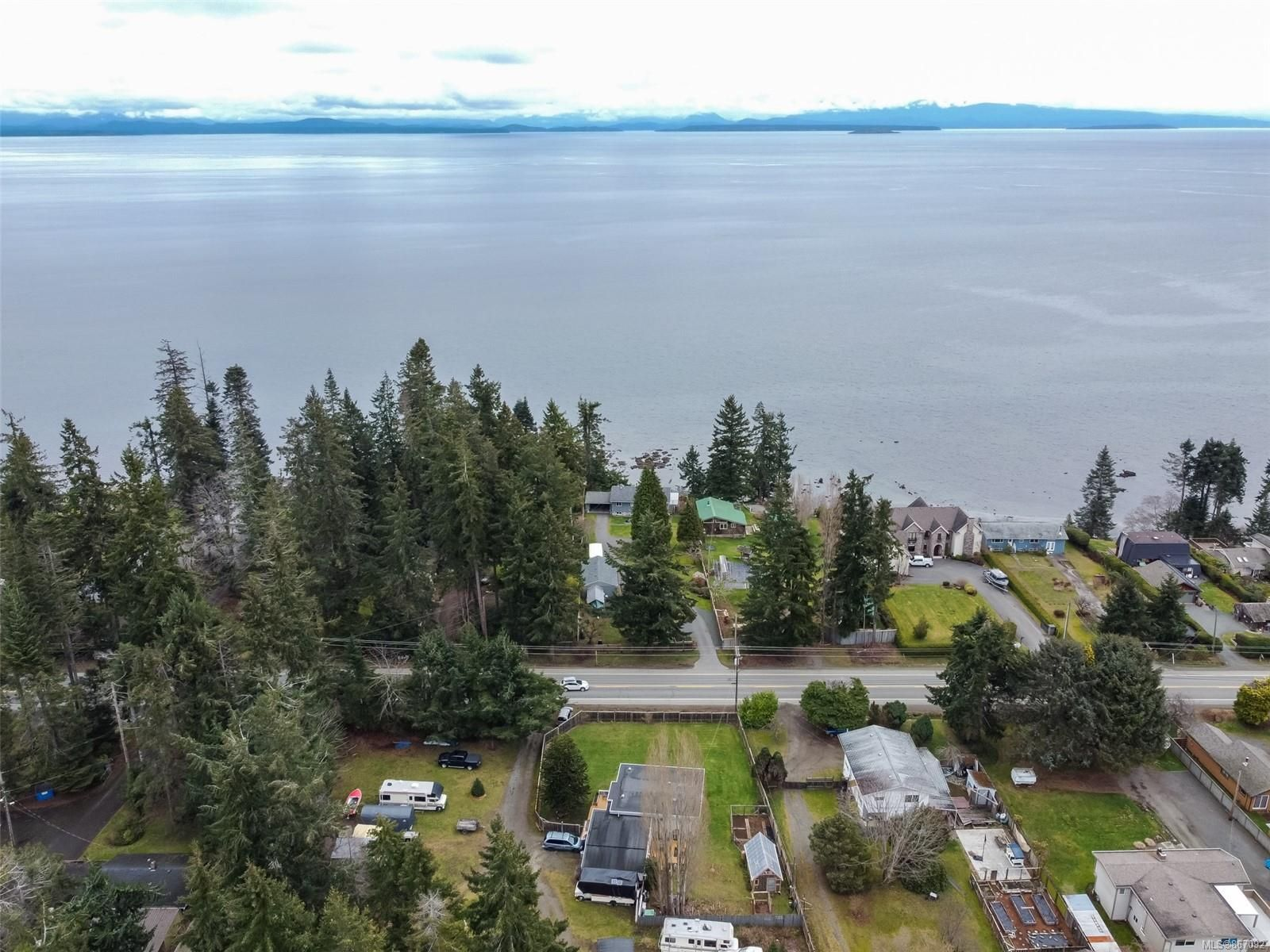 Main Photo: 4096 S Island Hwy in : CR Campbell River South House for sale (Campbell River)  : MLS®# 867092