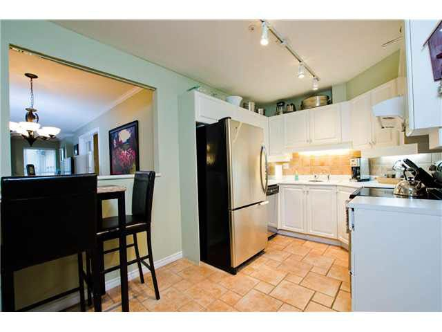 """Photo 12: Photos: 106 15272 20TH Avenue in Surrey: King George Corridor Condo for sale in """"Windsor Court"""" (South Surrey White Rock)  : MLS®# F1429895"""