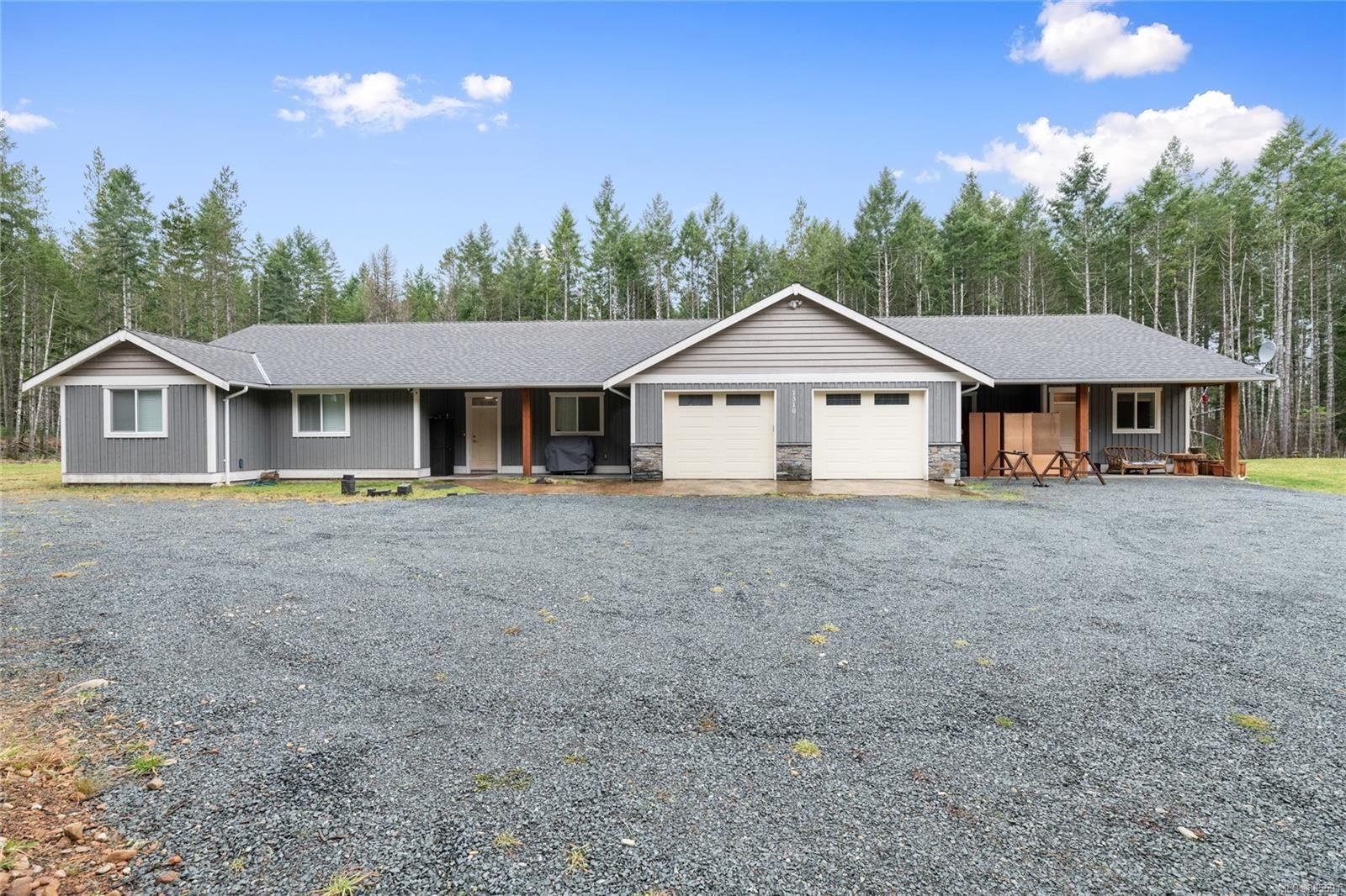 Main Photo: 1310 Dobson Rd in : PQ Errington/Coombs/Hilliers House for sale (Parksville/Qualicum)  : MLS®# 865591