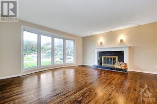 Photo 4: 24 CHARING ROAD in Ottawa: House for sale : MLS®# 1257303