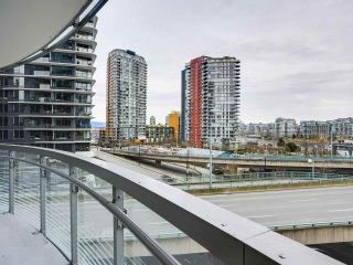 "Photo 3: 584 87 NELSON Street in Vancouver: Yaletown Condo for sale in ""THE ARC"" (Vancouver West)  : MLS®# R2542378"