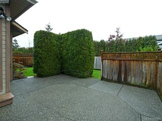 Photo 22: 201 4515 Pipeline Rd in VICTORIA: SW Royal Oak Row/Townhouse for sale (Saanich West)  : MLS®# 803455