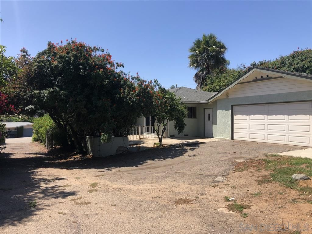Main Photo: SOUTHWEST ESCONDIDO House for sale : 3 bedrooms : 1126 W 12Th Ave in Escondido