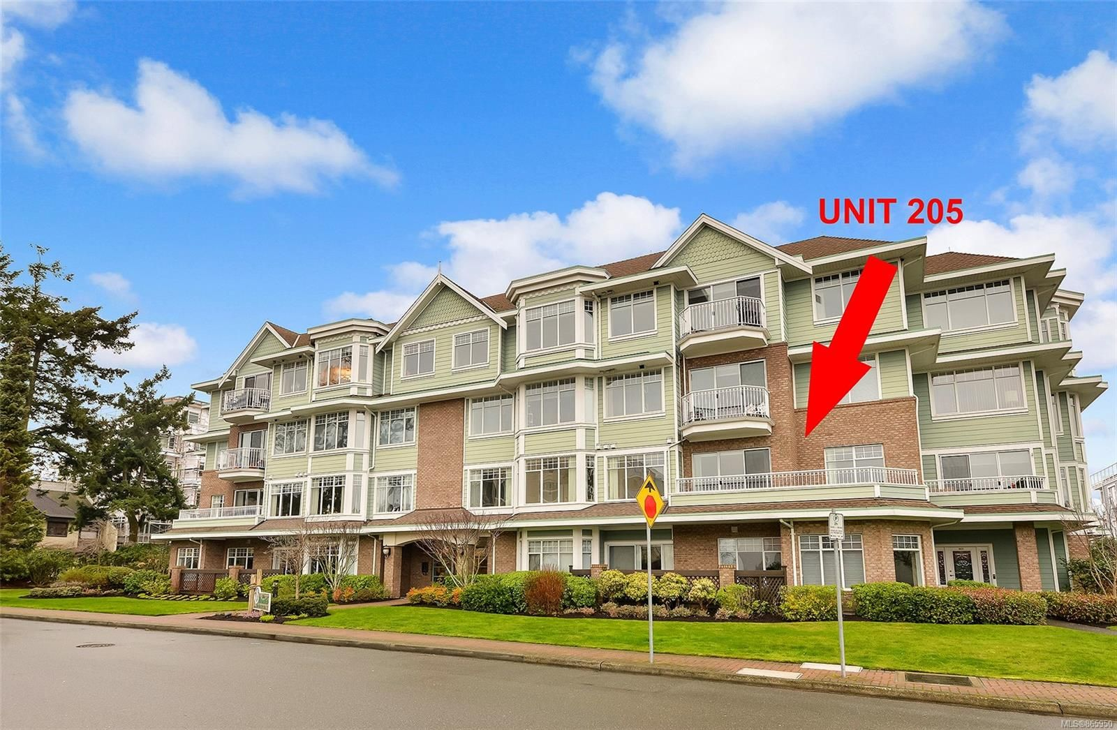 Main Photo: 205 9870 Second St in : Si Sidney North-East Condo for sale (Sidney)  : MLS®# 865950