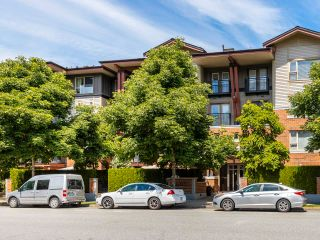 """Photo 4: 408 200 KLAHANIE Drive in Port Moody: Port Moody Centre Condo for sale in """"Salal"""" : MLS®# R2603495"""
