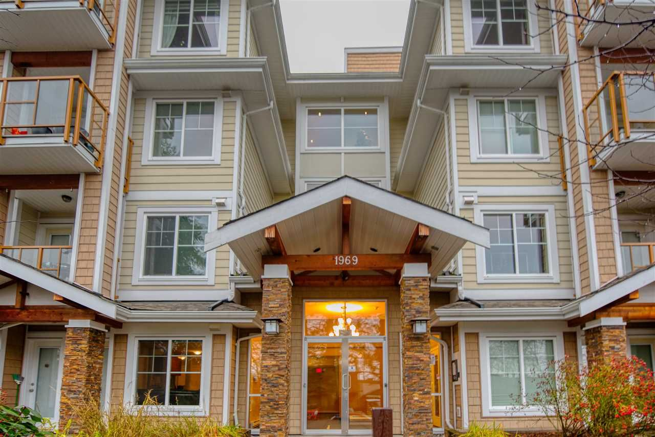 """Main Photo: 308 1969 WESTMINSTER Avenue in Port Coquitlam: Glenwood PQ Condo for sale in """"THE SAPPHIRE"""" : MLS®# R2421562"""