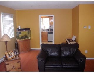 Photo 4: 1717 YMCA Road in Gibsons: Gibsons & Area House for sale (Sunshine Coast)  : MLS®# V698561