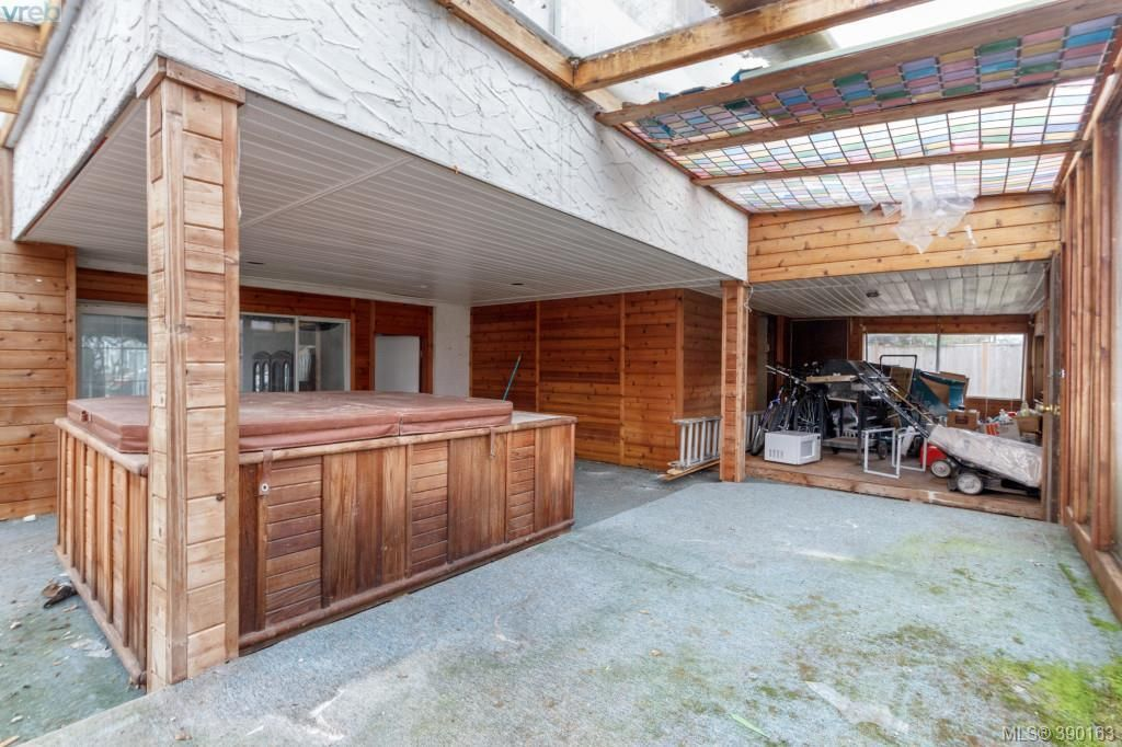 Photo 17: Photos: 2140 Skylark Lane in SIDNEY: Si Sidney North-West House for sale (Sidney)  : MLS®# 784240