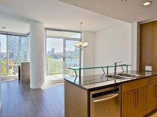 Photo 7: 607 638 BEACH Crescent in Vancouver West: Yaletown Home for sale ()  : MLS®# V1085423