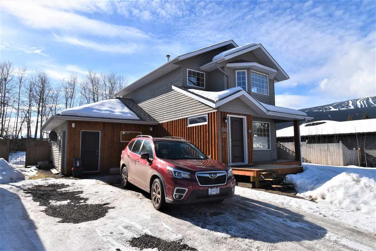 """Main Photo: 1420 SUNNY POINT Drive in Smithers: Smithers - Town House for sale in """"Silverking"""" (Smithers And Area (Zone 54))  : MLS®# R2546950"""