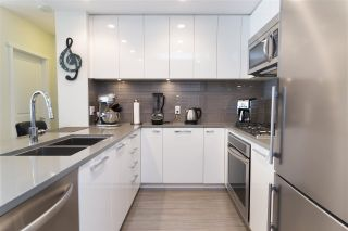 """Photo 4: 905 3102 WINDSOR Gate in Coquitlam: New Horizons Condo for sale in """"Celadon by Polygon"""" : MLS®# R2255405"""