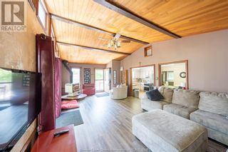 Photo 10: 452 COUNTY RD 46 in Lakeshore: House for sale : MLS®# 21017438