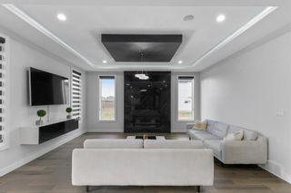 Photo 9: 2739 WHEATON Drive in Edmonton: Zone 56 House for sale : MLS®# E4264140