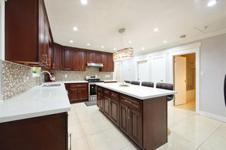 Photo 8: 491 E 63RD Avenue in Vancouver: South Vancouver House for sale (Vancouver East)  : MLS®# R2328169
