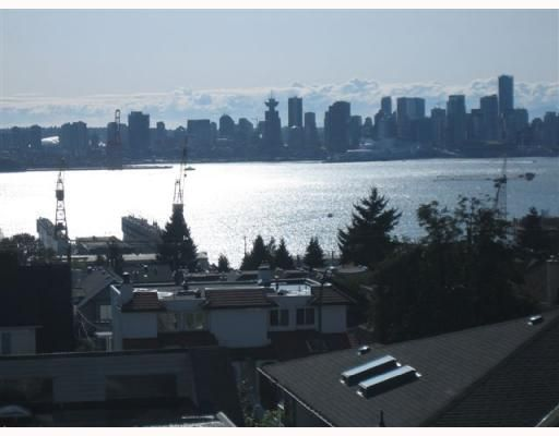 """Main Photo: 4 257 E 6TH Street in North Vancouver: Lower Lonsdale Townhouse for sale in """"LE MIRAGE"""" : MLS®# V791587"""