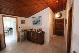 Photo 3: 7388 Estate Drive in Anglemont: North Shuswap House for sale (Shuswap)  : MLS®# 10204246