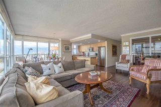 """Photo 4: 1206 125 MILROSS Avenue in Vancouver: Mount Pleasant VE Condo for sale in """"CREEKSIDE"""" (Vancouver East)  : MLS®# R2159245"""