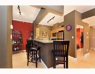 """Photo 5: 2203 1420 W GEORGIA Street in Vancouver: West End VW Condo for sale in """"THE GEORGE"""" (Vancouver West)  : MLS®# V688392"""