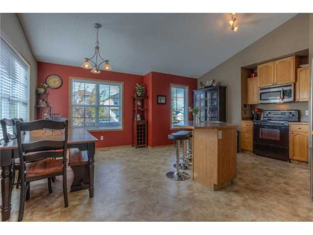 Photo 3: Photos: 168 EVERSYDE Circle SW in CALGARY: Evergreen Residential Detached Single Family for sale (Calgary)  : MLS®# C3620435