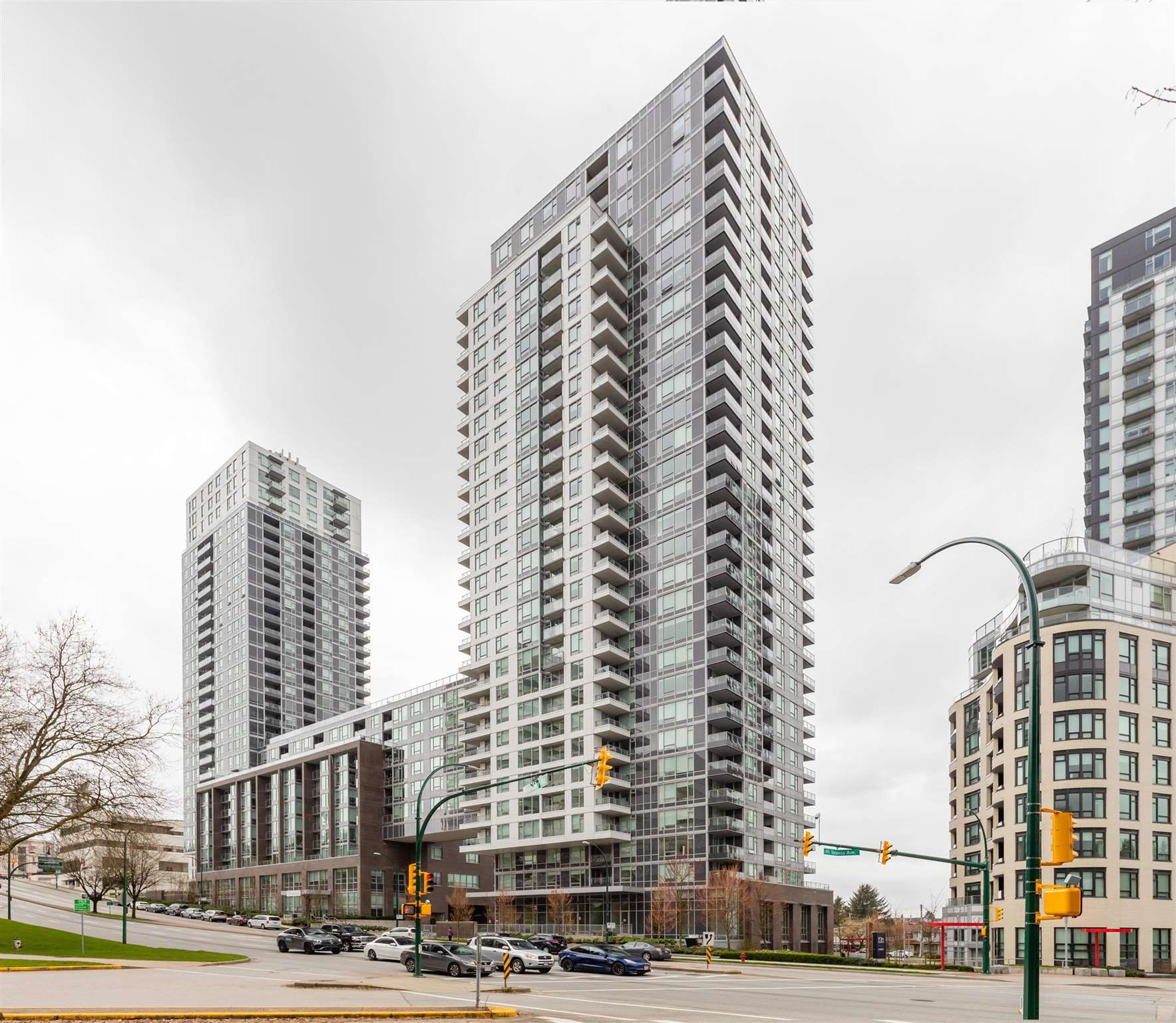 Main Photo: 2003-5515 Boundary Road in Vancouver: Collingwood VE Condo for sale (Vancouver East)  : MLS®# R2608292