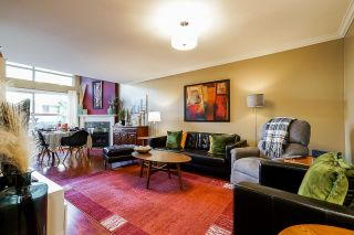 """Photo 2: 10 7250 122 Street in Surrey: East Newton Townhouse for sale in """"STRAWBERRY HILL"""" : MLS®# R2622818"""