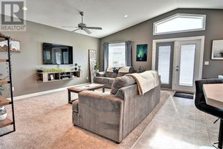 Photo 5: 125 Truant Crescent in Red Deer: House for sale : MLS®# A1151429