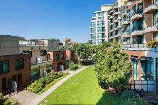 "Photo 18: 208 10 RENAISSANCE Square in New Westminster: Quay Condo for sale in ""MURANO LOFTS"" : MLS®# R2189938"