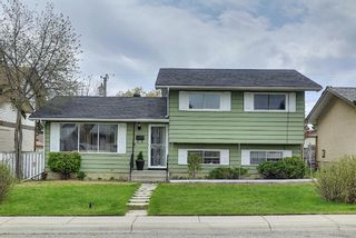 Photo 1: 5760 Maidstone Crescent NE in Calgary: Marlborough Park Detached for sale : MLS®# A1107556