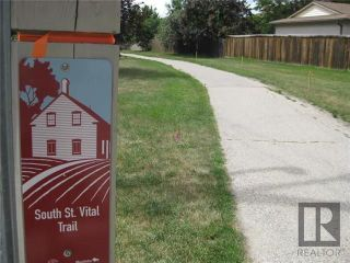 Photo 4: 3 Willowbend Crescent in Winnipeg: River Park South Residential for sale (2F)  : MLS®# 1819626