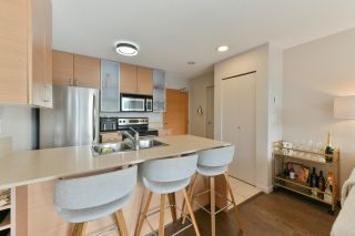 """Photo 6: 1208 928 HOMER Street in Vancouver: Yaletown Condo for sale in """"Yaletown Park 1"""" (Vancouver West)  : MLS®# R2615847"""
