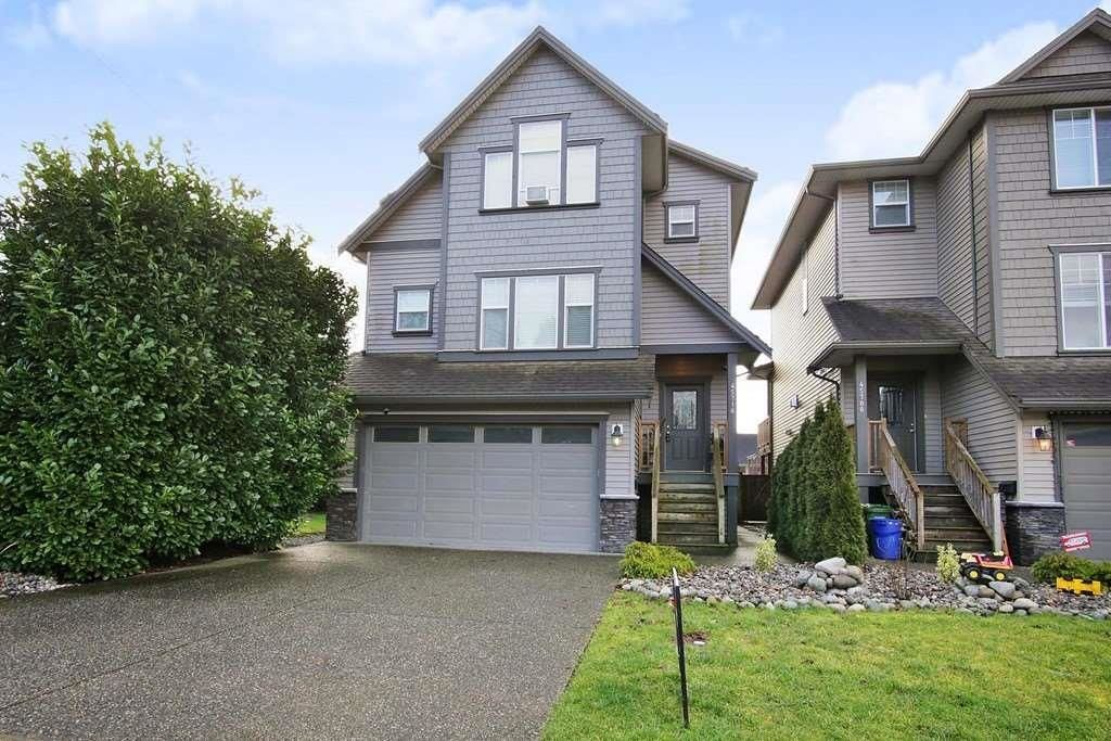 Main Photo: 45718 LEWIS Avenue in Chilliwack: Chilliwack N Yale-Well House for sale : MLS®# R2625321