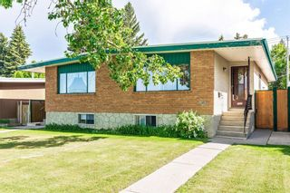 Main Photo: 7325 37 Avenue NW in Calgary: Bowness Duplex for sale : MLS®# A1121083