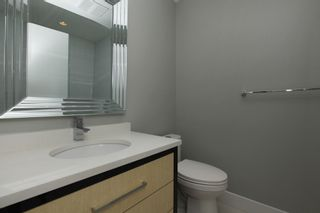 Photo 12: 231 W 19TH Street in North Vancouver: Central Lonsdale 1/2 Duplex for sale : MLS®# R2202845