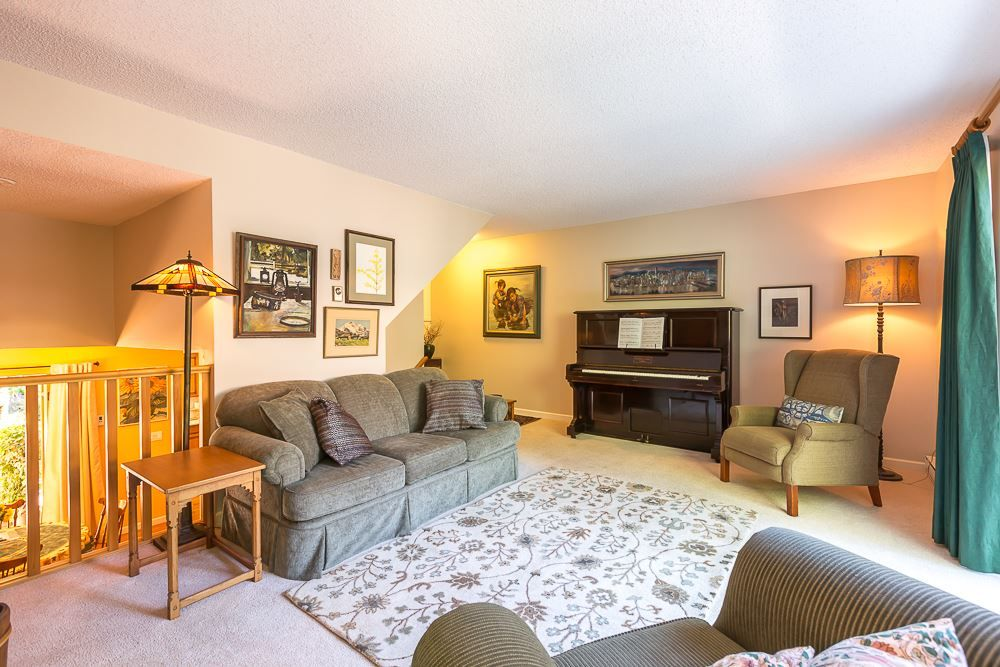 """Main Photo: 7270 WEAVER Court in Vancouver: Champlain Heights Townhouse for sale in """"PARK LANE"""" (Vancouver East)  : MLS®# R2316474"""