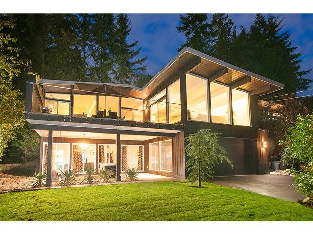 Main Photo: 1136 Mathers Av in West Vancouver: Ambleside House for sale : MLS®# V1090869