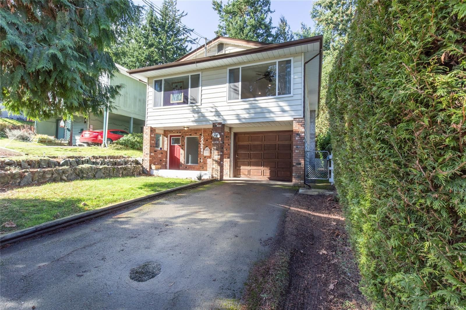 Main Photo: 24 Kanaka Pl in : Na North Nanaimo House for sale (Nanaimo)  : MLS®# 866821