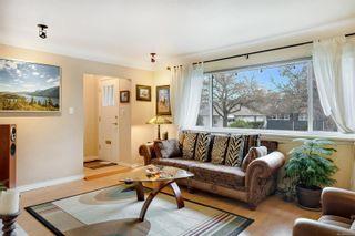 Photo 3: 2548 Wesley Pl in : Vi Oaklands House for sale (Victoria)  : MLS®# 866371