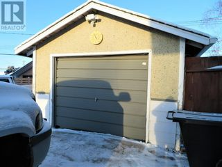 Photo 3: 106 Lodgepole Drive in Hinton: House for sale : MLS®# A1085341