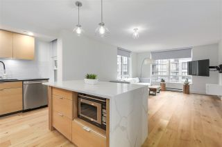 "Photo 2: 701 1055 HOMER Street in Vancouver: Yaletown Condo for sale in ""DOMUS"" (Vancouver West)  : MLS®# R2245913"