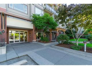 "Photo 3: 309 33539 HOLLAND Avenue in Abbotsford: Central Abbotsford Condo for sale in ""The Crossing"" : MLS®# R2489820"