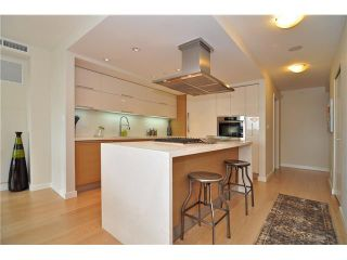 """Photo 10: 1603 8 SMITHE Mews in Vancouver: False Creek Condo for sale in """"Flagship"""" (Vancouver West)  : MLS®# V1064248"""